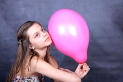 Fille avec le ballon Photos libres de droits