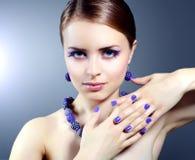 Fille avec le beau maquillage Photo stock