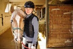 Fille avec le cheval Images libres de droits
