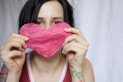 Fille avec le coeur Photographie stock libre de droits