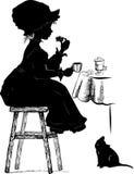 Fille avec le coffe et le gâteau Photographie stock libre de droits