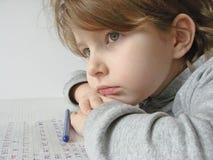 Fille avec le crayon lecteur Photo stock