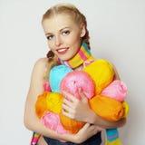 Fille avec le filé coloré image libre de droits