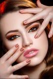 Fille avec le maquillage lumineux Photos libres de droits