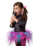 Fille avec le microphone Image stock