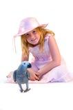 Fille avec le perroquet gris Image libre de droits