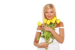 Fille avec les tulipes jaunes photos libres de droits