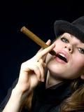 Fille avec une cigarette Image libre de droits