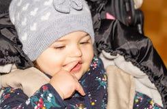 Fille Bébé capuchon Enfant configuration drôle infant photo stock