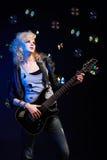 Fille blonde avec la guitare Images libres de droits