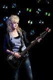 Fille blonde avec la guitare Image libre de droits