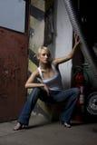 Fille blonde dans le travail images libres de droits