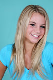 Fille blonde de sourire Photo libre de droits