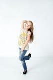 Danse de fille dans le studio Images stock