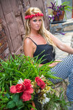 Fille blonde sexy de mode occasionnelle photo stock