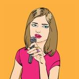 Fille chanteuse Partie de karaoke karaoke Femme chanteuse triste Photographie stock libre de droits