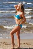 Fille chaude sur la plage photo libre de droits