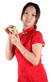 Fille chinoise avec la cuvette de thé Photographie stock