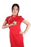 Fille chinoise avec la cuvette de thé Photos stock