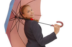 Fille d'adolescent avec un parapluie rose Images stock