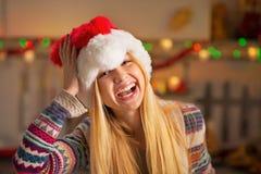 Fille d'adolescent dans le chapeau de Santa Images stock