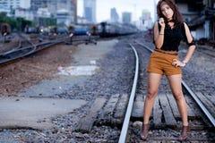 Fille d'Asiatique de verticale de mode photographie stock libre de droits