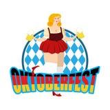 Fille d'Oktoberfest et tasse de bière Festival national de bière en Allemagne Photographie stock
