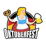 Fille d'Oktoberfest et tasse de bière Festival national de bière en Allemagne Images libres de droits