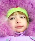 Fille dans des vêtements de l'hiver Image libre de droits