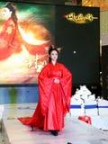 Fille dans l'habillement traditionnel chinois de Hanfu images stock