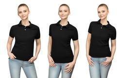 Fille dans la conception noire vide de maquette de polo pour la copie et la jeune femme de calibre dans l'avant de T-shirt et la  image libre de droits