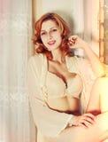 Fille dans la lingerie Photo stock