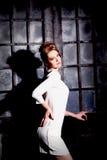 Fille dans la robe blanche Photos stock