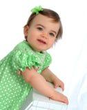 Fille dans la robe de point de polka image libre de droits