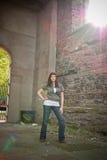 Fille dans la vieille église Photo stock