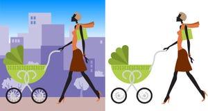 Fille dans la ville avec l'enfant Image libre de droits
