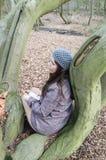 Fille dans le bois Photo stock