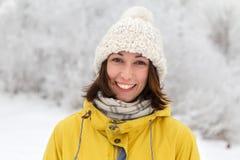 Fille dans le chapeau de l'hiver Photos stock