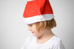 fille dans le chapeau de Santa Photo libre de droits
