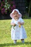 Fille dans le pré Photo libre de droits