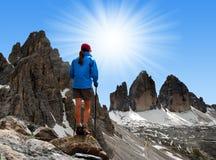 Fille dans les Alpes Photos libres de droits