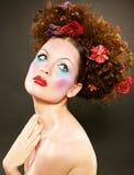Fille de beauté avec le maquillage coloré de mode photographie stock libre de droits
