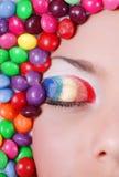 Fille de beauté en sucreries Image stock