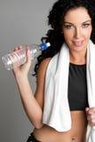 Fille de bouteille d'eau Photos libres de droits