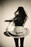 Fille de danse dans la jupe images libres de droits