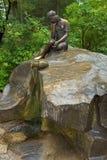 Fille de fontaine avec la cruche, Tsarskoye Selo, St Petersburg Photos libres de droits