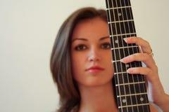 Fille de guitare Photo libre de droits