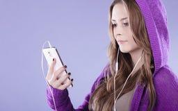 Chansons sur l'adolescence/le voyage? Yahoo Questions