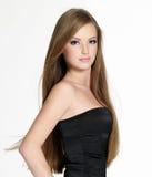 Fille de l'adolescence de belle sensualité avec le long cheveu Photographie stock