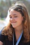 Fille de l'adolescence de sourire Photo libre de droits